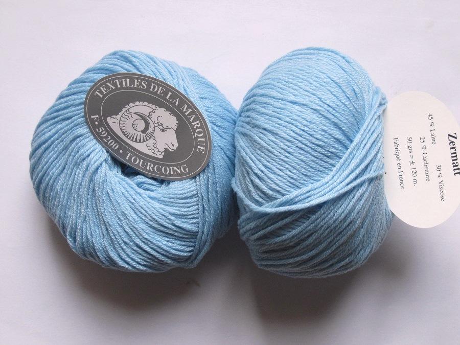 69a57d2a45cc 1 pelote Zermatt bleu textiles de la marque Textiles de la Marque ...