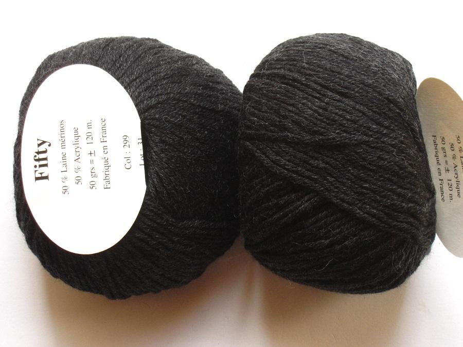 couleur gris 10 pelotes  de laine fantaisie Fabriquées en FRANCE
