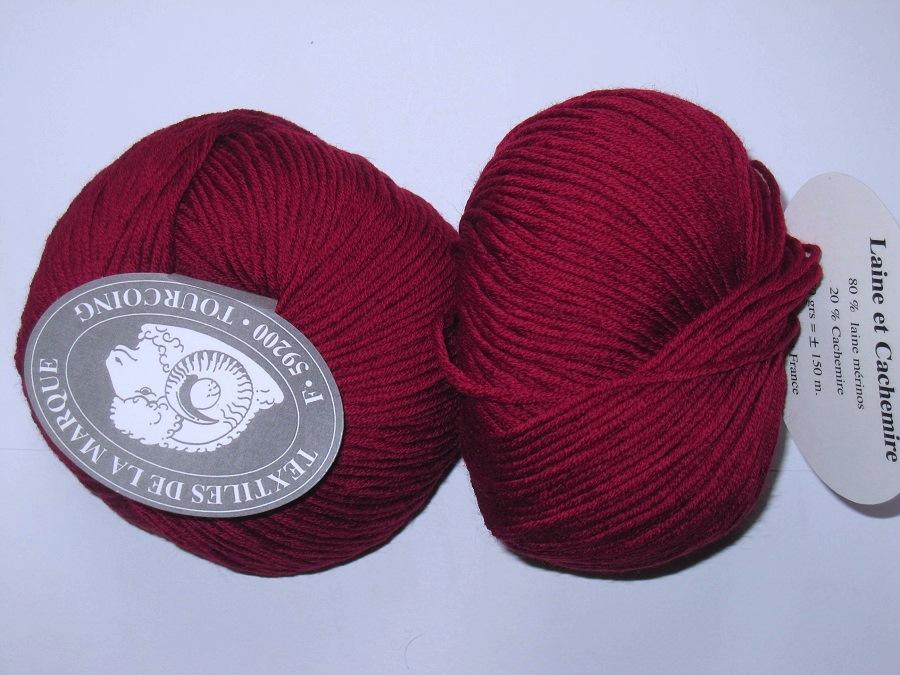 1 pelote 80 laine mérinos 20 cachemire rouge 142 Textiles de la ... d822417c3a7