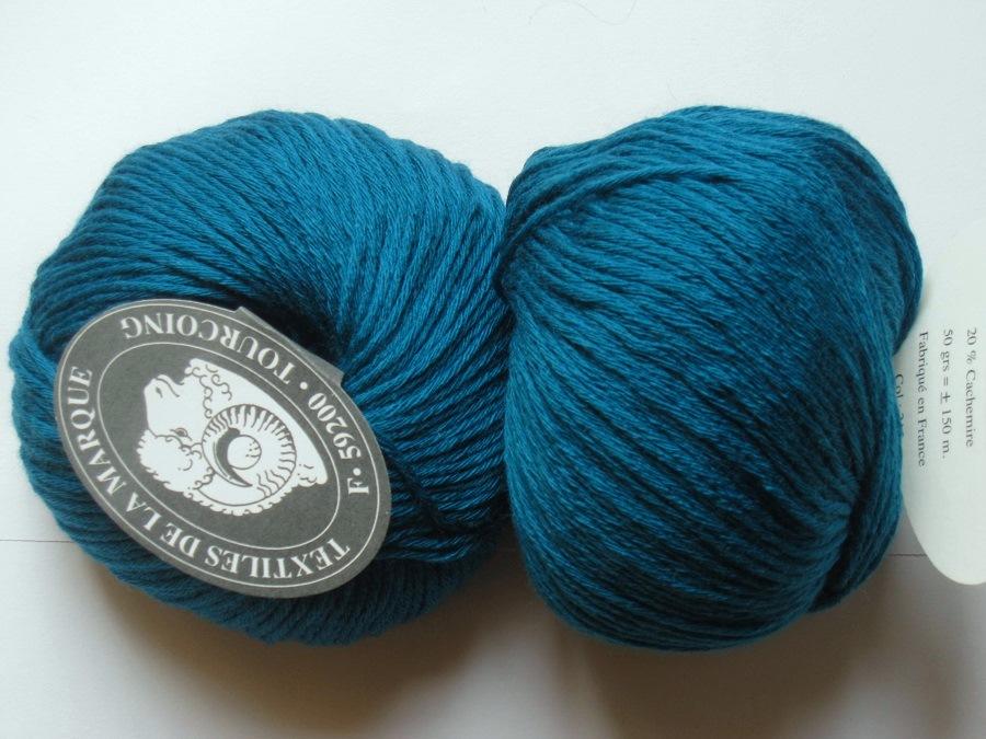 e6d21b2f2e60 1 pelote 80 laine mérinos 20 cachemire bleu canard 215 Textiles de ...